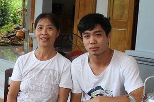Mẹ Công Phượng gửi lời chúc đặc biệt đến con trai và dự đoán trận Việt Nam - Nhật Bản