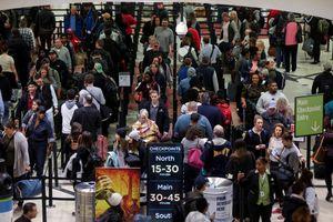 Chính phủ Mỹ đóng cửa ngày thứ 31, nhân viên hàng không vắng chưa từng có