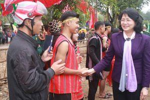 Phó Chủ tịch nước dự chương trình Xuân đoàn kết-Tết biên cương tại Quảng Trị