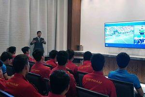 ĐT Việt Nam hào hứng trải nghiệm công nghệ VAR trước đại chiến với ĐT Nhật Bản