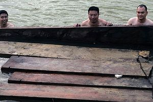 Nóng chuyện vận chuyển gỗ lậu dịp cuối năm