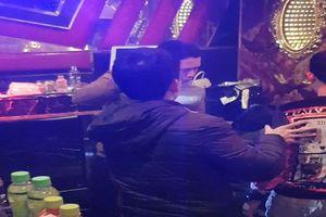 13 nam, nữ dương tính với ma túy trong quán karaoke sau tiệc tất niên