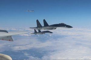 Trung Quốc điều máy bay Su-30, Y-8 tới gần Đài Loan thị uy