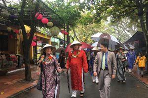 Trình diễn pháo hoa nghệ thuật tại phố cổ Hội An