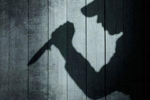 Một công nhân rút dao đâm chết người trong quán karaoke