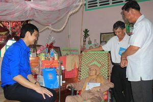 T.Ư Đoàn thăm hỏi, tặng quà Tết gia đình chính sách, thanh niên Tây Ninh