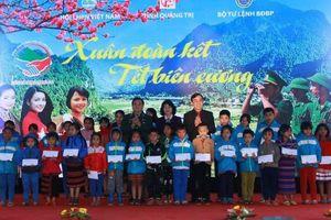 Phó Chủ tịch nước dự chương trình 'Xuân đoàn kết - Tết biên cương'