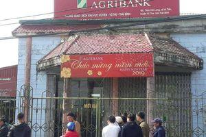 Dùng dao quắm xông vào ngân hàng nông nghiệp cướp 200 triệu