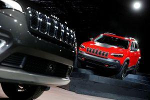 Ngành xe hơi Mỹ kêu trời vì chính phủ đóng cửa, chiến tranh thương mại