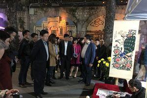 Hà Nội: Lung linh chợ hoa Tết truyền thống Hàng Lược