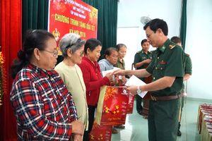 Khánh Hòa: Trao 150 suất quà tết cho nhân dân bị thiệt hại do bão lũ gây ra