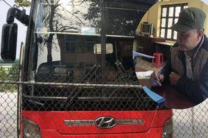 Hành khách hoảng hồn khi CSGT phát hiện lái xe giường nằm còn 'phê' ma túy