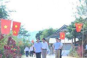 Thăm xã biên giới đầu tiên của xứ Thanh về đích NTM