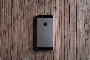 'Tôi vừa lỡ dịp mua chiếc iPhone đẹp nhất'