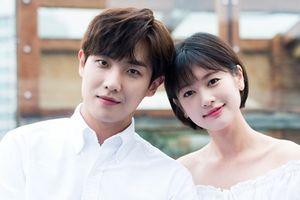 15 cặp nghệ sĩ đang yêu nhau mặn nồng trong làng giải trí Hàn Quốc