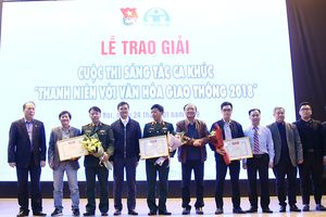 Trao giải cuộc thi sáng tác ca khúc 'Thanh niên với văn hóa giao thông'
