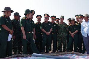 Thượng tướng Nguyễn Phương Nam kiểm tra công trình đường tuần tra biên giới tại tỉnh Kiên Giang