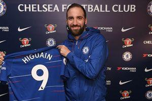 Higuain chính thức gia nhập Chelsea, mang số áo dính lời nguyền ở Stamford Bridge