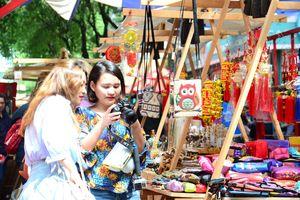 Những phiên chợ tết của người trẻ
