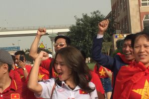 CĐV có mặt ở sân 'tiếp lửa' cho tuyển Việt Nam đấu Nhật Bản tại Asian Cup