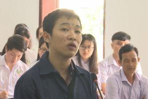 Hàng trăm học sinh dự phiên tòa xét xử đối tượng giết người