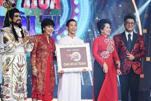 Thanh Bạch bất ngờ thử thách Mạnh Quyền múa Hồ Thiên Nga trên sân khấu