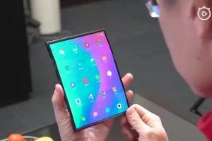 Soi các tính năng trên smartphone màn hình gập của Xiaomi vừa lộ diện