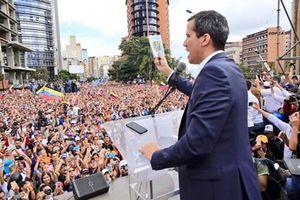 Quốc hội Venezuela phế truất Maduro, lập Tổng thống lâm thời