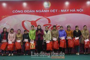 CĐ ngành Dệt - May Hà Nội mang Tết đến sớm cho CNLĐ