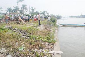 Cà Mau: Điều tra danh tính thi thể nam thanh niên chết trôi trên sông