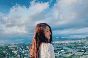 Trang Nhung - bạn gái của tiền đạo Văn Toàn ngày xinh đẹp, gợi cảm