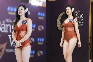 Bạn gái cầu thủ Trọng Đại diện nội y thi bikini gây tranh cãi
