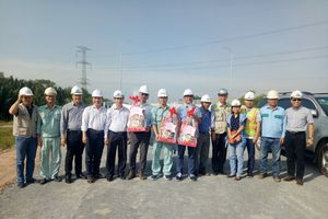 Lãnh đạo VEC kiểm tra hiện trường và chúc Tết cán bộ công nhân Dự án cao tốc Bến Lức – Long Thành