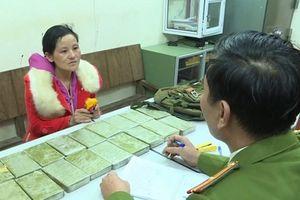 Bắt 3 đối tượng vận chuyển 120 bánh heroin từ Lào về Việt Nam