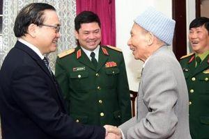 Bí thư Thành ủy Hà Nội chúc Tết các tướng lĩnh quân đội đã nghỉ hưu