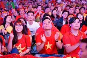 Người hâm mộ tự hào vì tinh thần thi đấu tuyệt vời của ĐT Việt Nam
