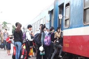 Thay đổi giờ khởi hành một số chuyến tàu do sự cố