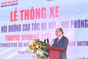 Thủ tướng dự thông xe tuyến đường nối cao tốc Hà Nội - Hải Phòng và Cầu Giẽ - Ninh Bình