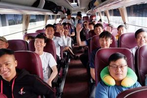 Công nhân giao thông về Tết bằng máy bay, xe chất lượng cao