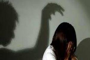 Nữ sinh 17 tuổi bị 'yêu râu xanh' dùng dao khống chế hiếp dâm trong rẫy cà phê