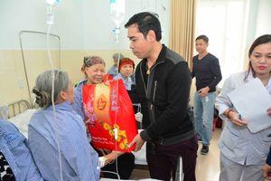 Trao quà Tết cho bệnh nhân tại Bệnh viện Việt Tiệp Hải Phòng