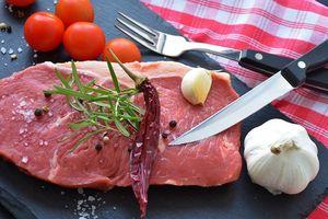 Dấu hiệu cảnh báo bạn ăn quá nhiều thịt