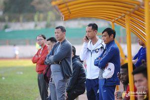 Huy Hoàng - Như Thành gặp mặt trong trận giao hữu SLNA - Thanh Hóa