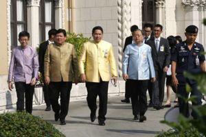 Bốn Bộ trưởng Thái Lan bất ngờ từ chức
