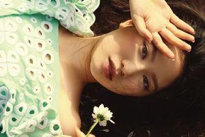 Con gái sinh năm 2004 của Chân Tử Đan lần đầu làm mẫu thời trang