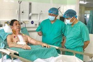 Hành trình nghẹt thở vận chuyển quả tim xuyên Việt ngày cận Tết