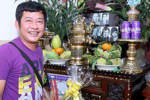 Nghệ sĩ họp mặt ôn lại kỷ niệm với 'hoàng đế dĩa nhựa' Tấn Tài