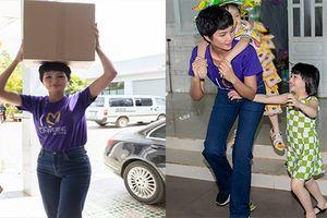 Hoa hậu đẹp nhất Thế giới H'hen Niê giản dị đi từ thiện