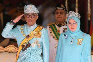 Tân vương Malaysia đăng quang sau cuộc truyền ngôi lịch sử