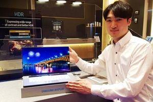 Samsung thành công tạo ra màn hình 15.6 inch UHD OLED cho laptop